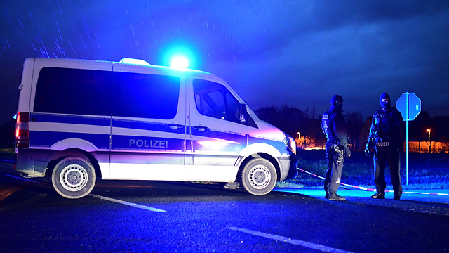 Police forces at the shooting scene (Photo: EPA)