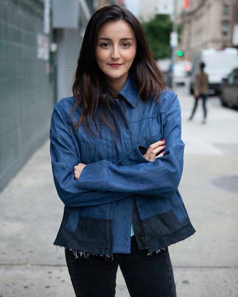 """""""עברתי לניו יורק לגמרי לבד בגיל 18, ולא היה לי אכפת, זה היה החלום שלי"""" (צילום: Anna Z Chen)"""
