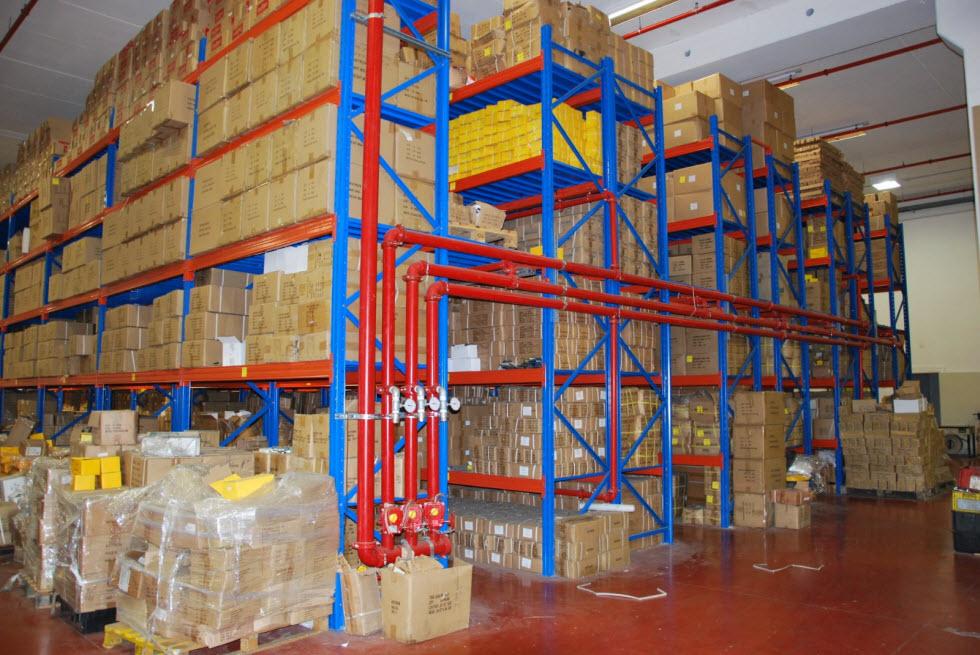 לקוחותיו המרכזיים של המפעל בישראל הם טמבוריות, נגריות ומסגריות.  (צילום: באדיבות המפעל)