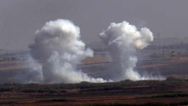צבא טורקיה תוקף מעבר לגבול בתוך סוריה מבצע נגד כורדים (צילום: AP)