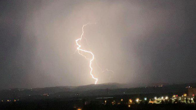 Lightening in Nahariya (Photo: David Dvir Talias)