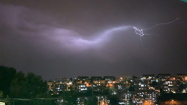 Thunderstorm in Jerusalem (Photo: Netanel Cohen)