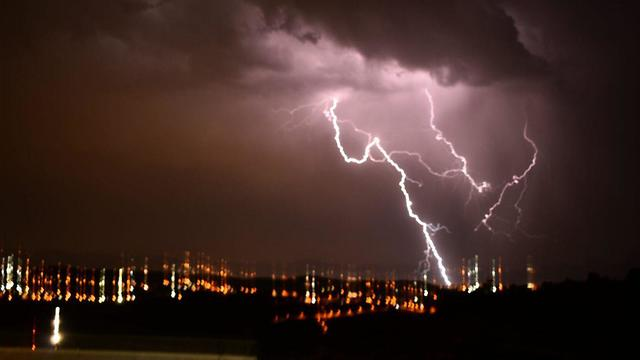 Thunderstorm in Zayit Raanan (Photo: TPS)