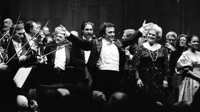 זובין מהטה מנצח על הפילהרמונית ניו יורק בביצוע יצירתו של גוסטב מאהלר בהופעתם ה10,000 (צילום: AP)