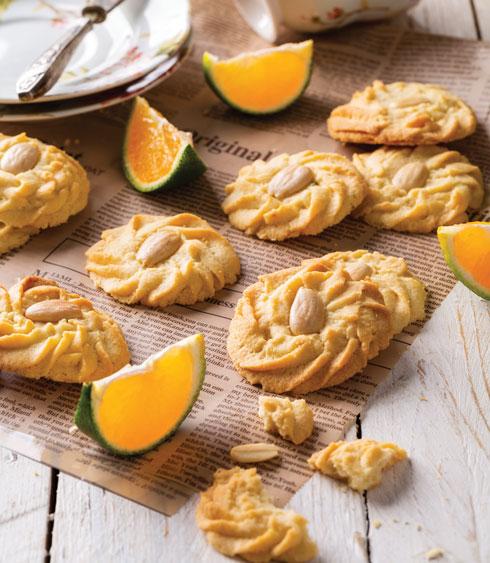 עוגיות חמאה בניחוח קלמנטינה (צילום: בועז לביא, סגנון: עמית דונסקוי)