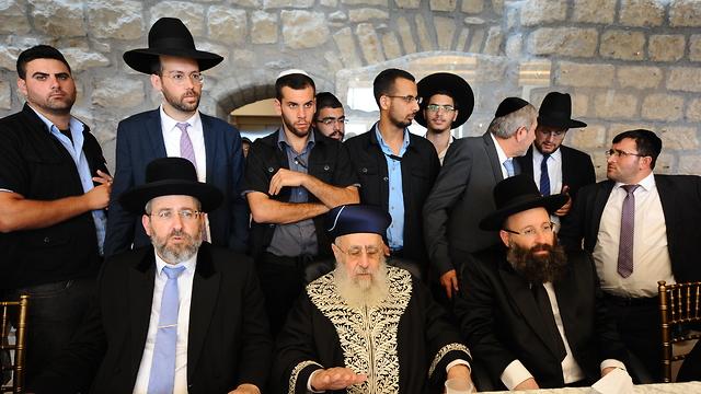 גדולי הרבנים הגיעו להשתתף במאורע המרגש (באדיבות הקרן למורשת הכותל המערבי.)