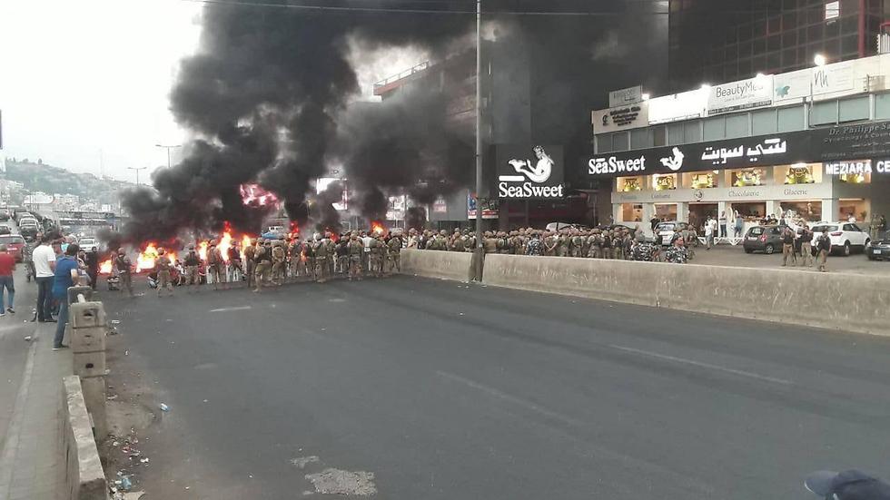 Перекрытие дорог в Бейруте