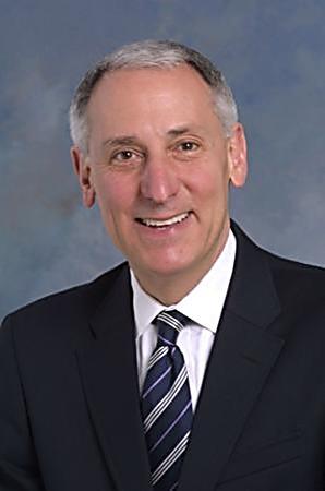 """נשיא ומנכ""""ל ארגון הפדרציות, אריק פינגרהארט"""
