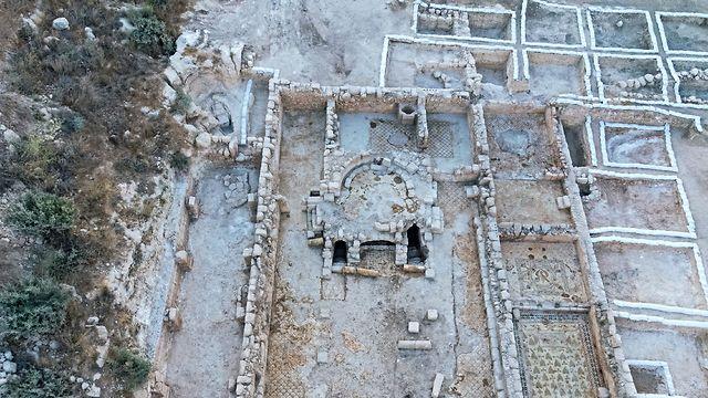 В центре комплекса располагалась базилика. Фото: Асаф Перец