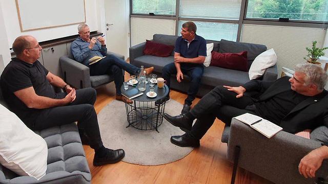 L-R: Blue and White senior officials Moshe Ya'alon, Benny Gantz, Gabi Ashkenazi and Yair Lapid meeting before President Reuven Rivlin tasks Gantz with trying to form the next government