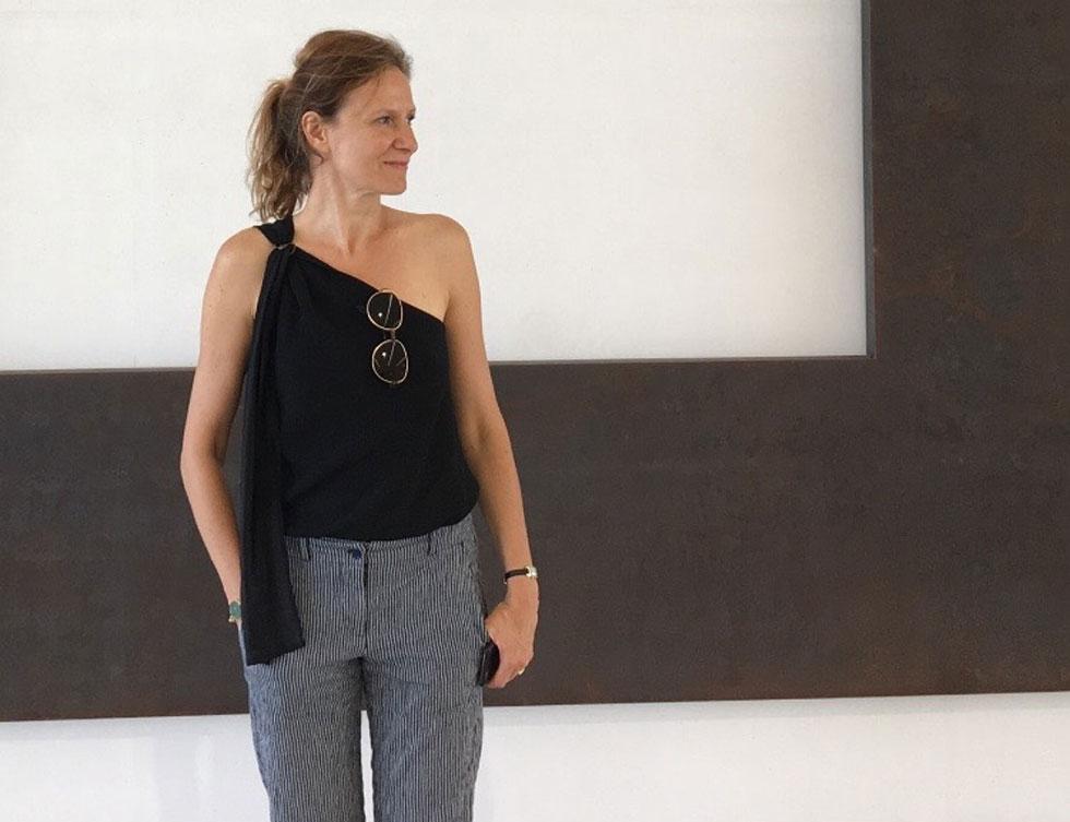 """אן וילי. """"אני מאמינה שאנשים לא צריכים הרבה בגדים"""" (צילום: Anne Willi)"""