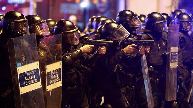 ברצלונה מהומות עצמאות קטלוניה (צילום: רויטרס)