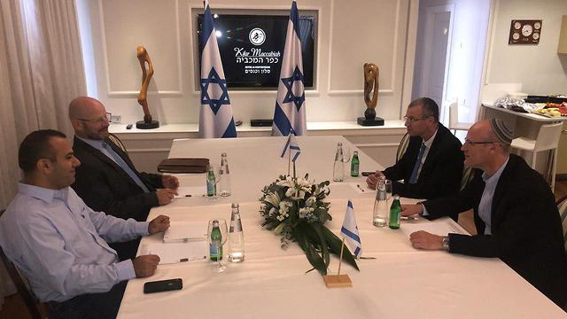 Meeting between Blue and White and Likud negotiation teams