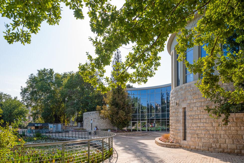 הגן הבוטני ממשיך להתפתח: בקרוב ייפתח בו מרכז מבקרים ואולם לכנסים ואירועים (בתמונה), בתכנון האדריכלים איתי אהרונסון (מעטפת) ומתי רוזנשיין (פנים) (צילום: ליאור גרונדמן)