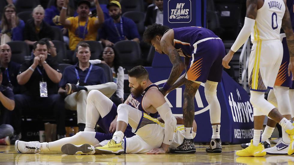 הפציעה של סטף קרי (צילום: AP)