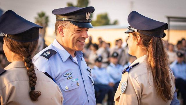 טקס סיום קורס קציני ההגנה האווירית של חיל האוויר (צילום: עמית אגרונוב)