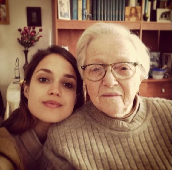 Марина Максимилиан и ее бабушка Софья Мижеричер. Фото: селфи из инстаграма Марины