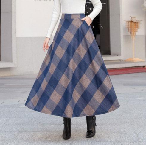 המלצה שלנו: חצאית סגולה בדוגמת משבצות, 67 שקל  (צילום: מתוך aliexpress.com)