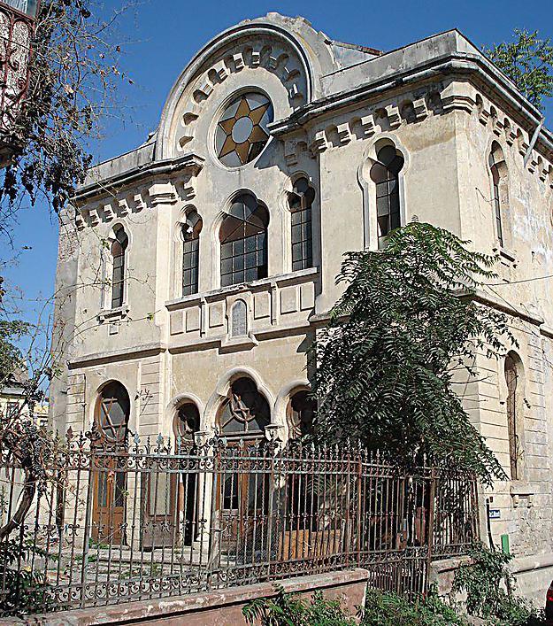 """""""בכל מדינה אחרת באירופה, מבנה שכזה היה משופץ כבר מזמן"""". בית הכנסת הגדול"""