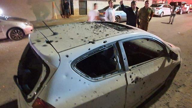 Damage to a car in Sderot (Photo: Yaniv Kalif)