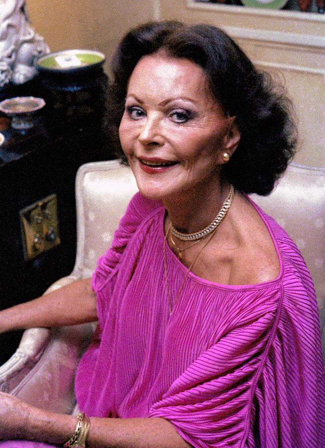 הפכה את פניה לשדה קטל של התערבויות כירורגיות שגרמו לה להסתגר בביתה. בגיל 65 (צילום: AP)