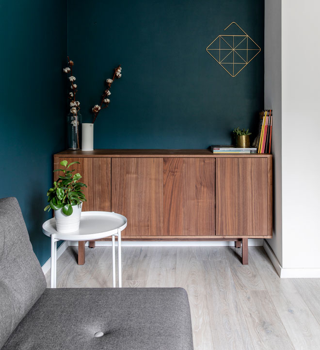צבע חדש לקיר יכול לחולל מהפך ברגע. גוון: IS0669, ''נירלט''. עיצוב: סיון נצר. צילום: איתי בנית