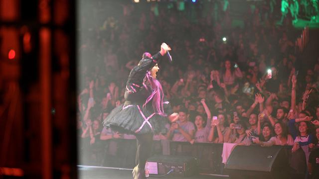 Netta Barzilai performing at the event (Photo: Ran Biran)