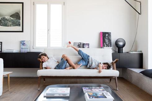 נח וג'ייקוב. תיכף נרד לחדרם שבקומה התחתונה (צילום: שירן כרמל)