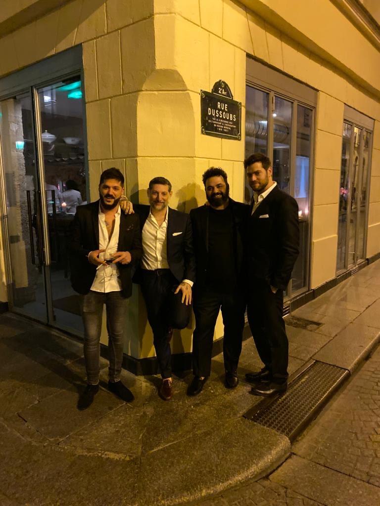 צוות מסעדת שבור בפריז ()