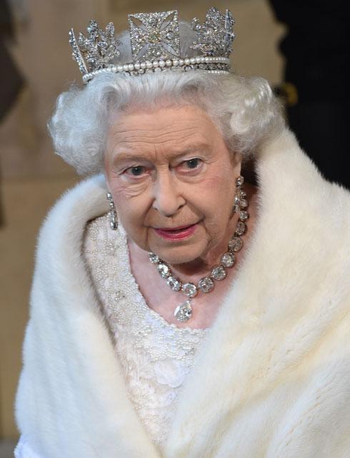 """""""95 אחוזים מהציבור הבריטי מסרבים ללבוש פרווה אמיתית"""", טוענים בארגון PETA (צילום: WPA/GettyimagesIL)"""