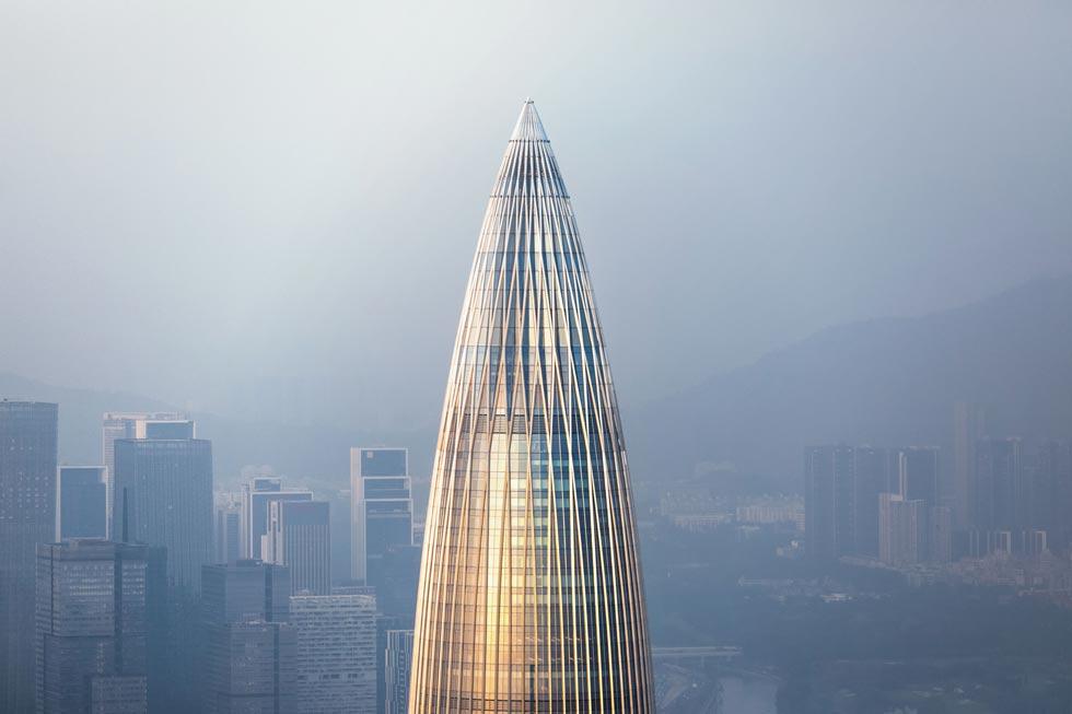 בניין המטה של China Resources בעיר הסינית שנג'ן, בתכנון משרד האדריכלים Kohn Pedersen Fox, שמתכננים את מגדל עזריאלי הרביעי בת''א (צילום: Su Zhewei/APA19/Sto)