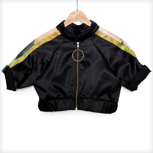 """""""הז'קט עוצב על ידי עומר יהב שעובד עם הסטייליסט איתי בצלאלי ומעצב גם לנועה קירל. הוא עיצב אותו עבורי במיוחד לנשף הראשון"""" (צילום: ענבל מרמרי)"""