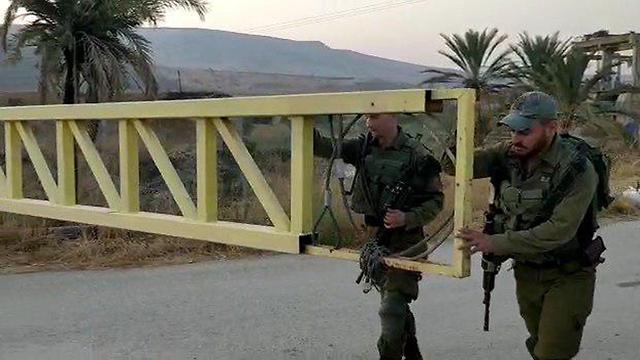 סגירת שער הכניסה בין ישראל לירדן בנהריים (צילום: המועצה האזורית עמק הירדן)