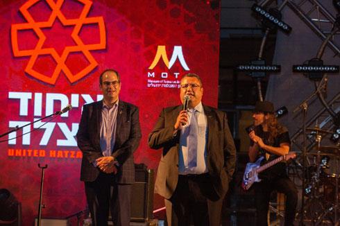 ראש עיריית ירושלים, משה ליאון, בערב הוקרה ל''איחוד והצלה''. האמפי נפתח בינתיים לשני אירועים (צילום: יחיאל גורפיין)