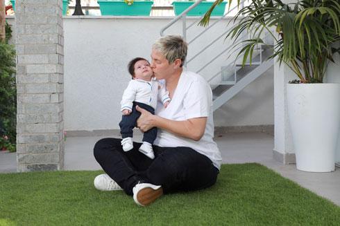 """""""אני לא יכולה לגזול מהילד שלי את המילה 'אבא' כל החיים"""" (צילום: דנה קופל)"""