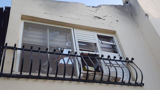 פגיעה בבית בשדרות ()