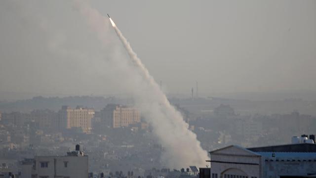 אזעקות ויירוטים לאחר ירי רקטות מעזה לאחר חיסול בכיר הג'יהאד (צילום: רויטרס)