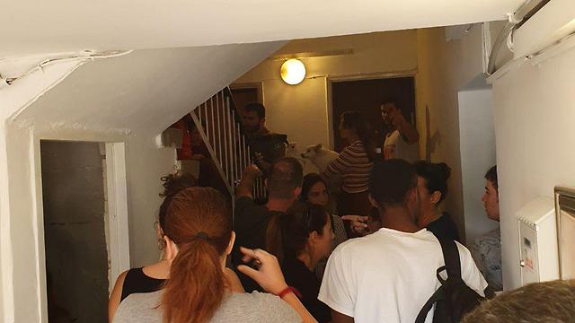 אזעקות בתל אביב בעקבות ההסלמה וירי הרקטות מעזה: פגיעה בבית בשדרות (צילום: רן רימון)
