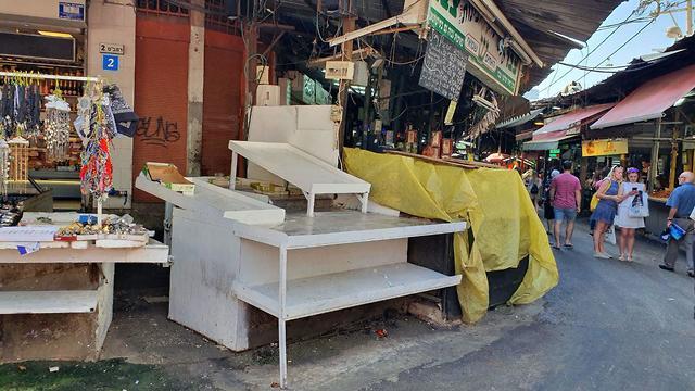 Some Carmel Market vendors were also absent  (photo: Assaf Kamar)