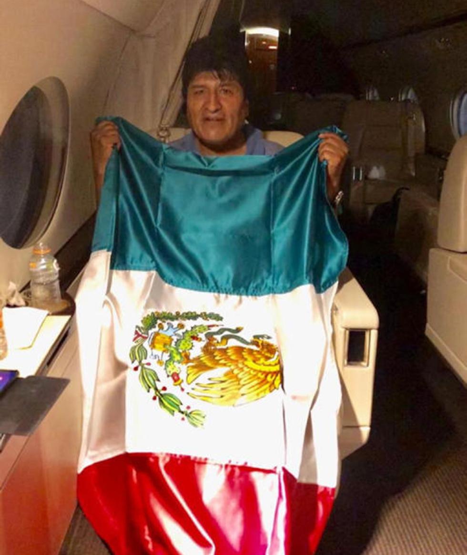 אבו מוראלס נשיא בוליביה לשעבר נוחת ב מקסיקו מקלט מדיני (צילום: EPA)