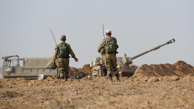 Артиллерия на границе с Газой. Фото: Ави Роках