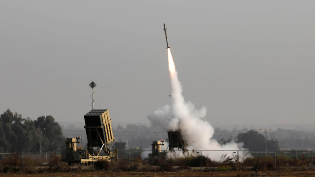 IDF soldiers operate Iron Dome near the Gaza border (Photo: AFP)