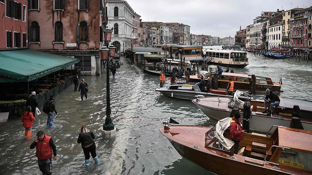 איטליה ונציה שיטפונות הצפה  (צילום: AFP)