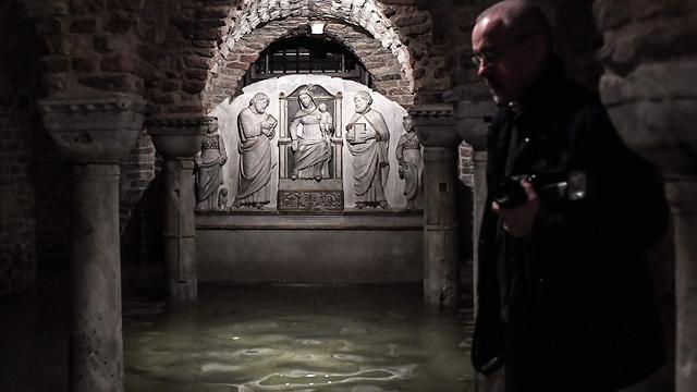 איטליה ונציה שיטפונות הצפה בזיליקת סנט מארק (צילום: AFP)