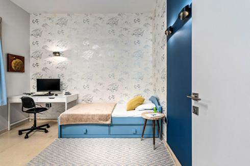 בביתה החדש של הנדסאית האדריכלות מיכל סיאורנו במפלסים, הממ''ד הוא חדר הבן (צילום: מאור מויאל)