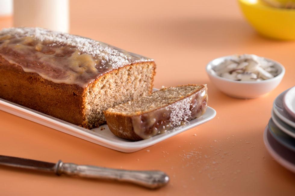 עם הבחושה הזאת לא תפספסו: עוגת קוקוס ותבלינים (צילום: דניאל לילה, סגנון: טליה הדר)