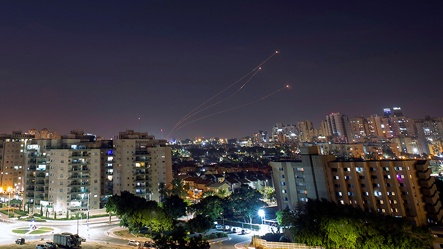 Iron Dome brings down rockets over Sderot on Thursday night (Photo: Reuters)