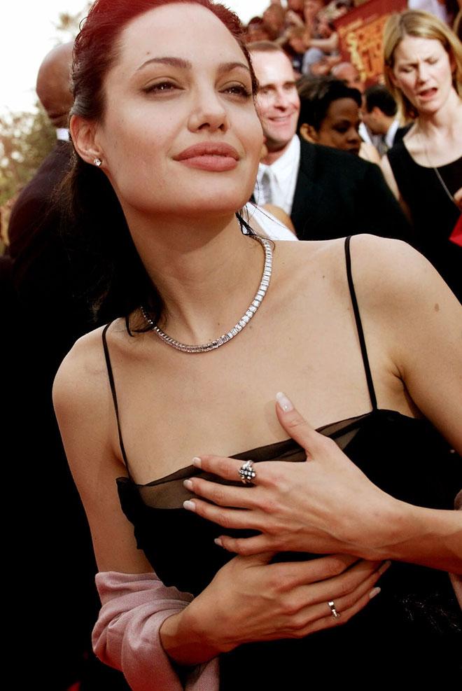 """הסרט """"נערה בהפרעה"""" לא היה יכול לבקש פנים מתאימות יותר. 2000 (צילום: AP)"""