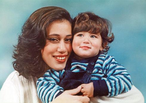 אור עם אמא נטע בילדותו (צילום: אלבום פרטי)