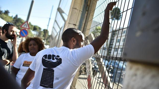 Demonstrators protest what they see as lenient charges (Photo: Yoav Dudkevitch)